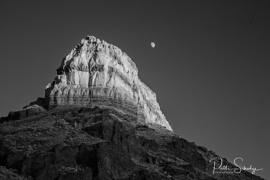 Cerro Castellan Peak